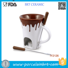 Keramik mit überlaufendem Schokoladen-Warm-Fondue-Grill
