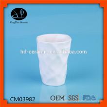 Cerâmica bonita voada sem caneca do punho, Caneca cerâmica de luxo Porcelana branca