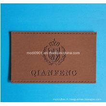 Étiquette en cuir d'habillement en cuir de qualité supérieure de Cumtomized avec le logo en métal Patches en cuir de jeans pour le vêtement