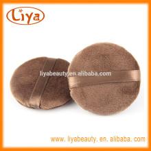 Große kosmetische Gesichtspuder Pad für Make-up-Schönheit-Blätterteig