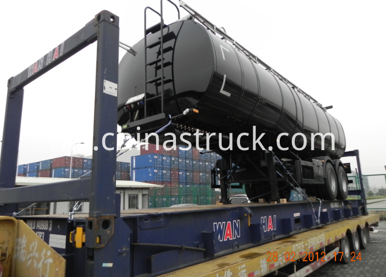 2 axle bitumen tank with heating and insulation