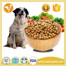 Delicioso alimento natural para o cão seco e seco para cães adultos