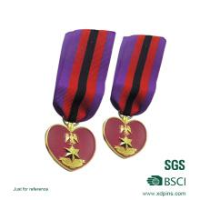 Medalha de metal chapeada ouro da forma do coração do logotipo da estrela 3D