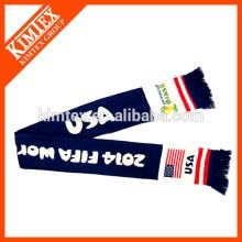 Jacquard hizo punto la bufanda de los fanáticos del fútbol con su insignia