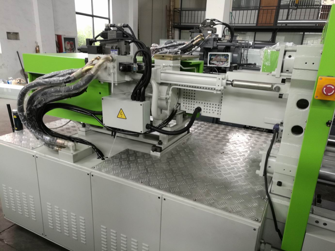 T-slot Plastic Injection Machine