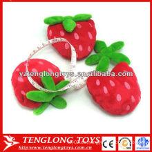 Nuevo diseño de fresa de frutas en forma de cinta de medición de peluche