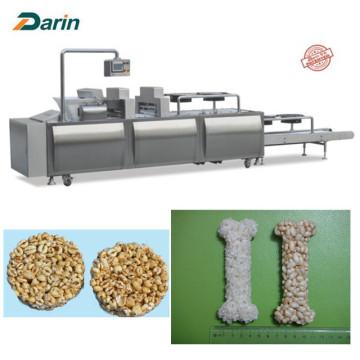 Galleta sabrosa del arroz del Granola de la almendra que hace la máquina