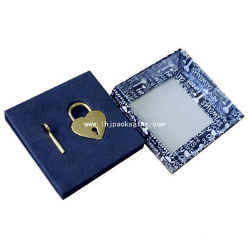 Alta calidad de regalo de embalaje de bloqueo y caja de papel clave con ventana