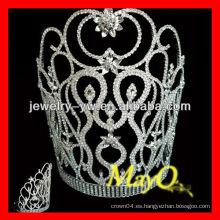 Elegent pequeña flor decorativa de diseño de cristal concursante tiara corona