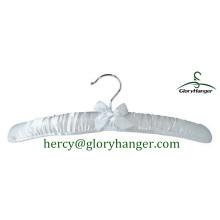 Мягкая вешалка для одежды с прекрасным бантом из атласа