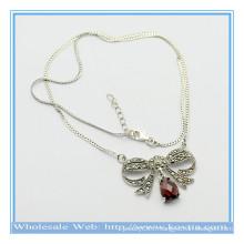Dernier collier pendentif en forme de papillon en forme de 925 avec rubis