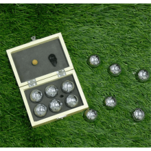 Chrome Boccia Ball in Holzkiste