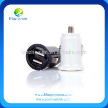 Monture de chargeur mini voiture miniature pour téléphone Chargeur de voiture 2.1A