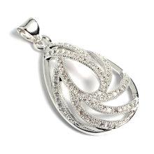 Accessoire bijoux en forme de pendentif avec zircon cubique
