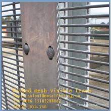 Edge protection galvanisé à chaud galvanisé fil d'argent treillis 8 guage fil frontière clôtures panneaux diviseurs de câbles 358 clôtures de sécurité