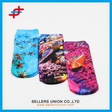 2015 heiße verkaufende jugendlich Karikaturschlauch Socken dekorative Sublimation Socken Art und Weiseentwurf