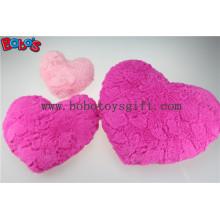 Presente do Valentim Almofada do travesseiro do coração macio em cor-de-rosa e cor-de-rosa quente