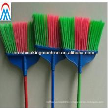 fabricant automatique de machines de balai de forage et de tufting de trois couleurs dans des machines de fabrication de brosse