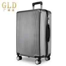 Nuevas y coloridas bolsas de equipaje con ruedas silenciosas.