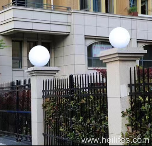Solar Pillar Gate Lamp for Courtyard Decoration