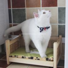 Cama de madeira lavável do gato do Rattan com quatro pés