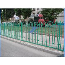 Calle que protege la barandilla de malla de alambre