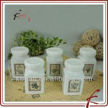 Tarro de especias de cerámica