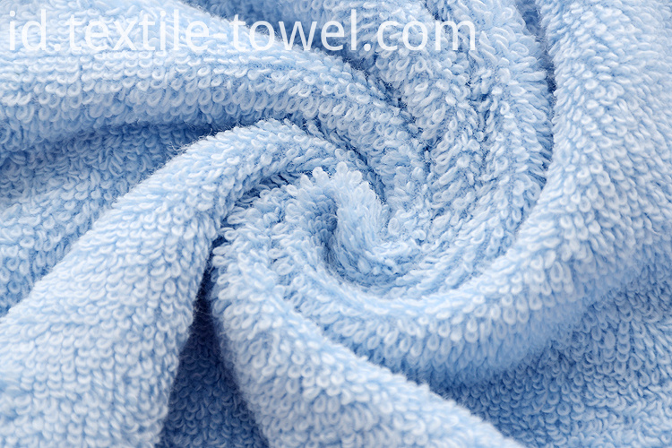 Bath Towels in Solid Color