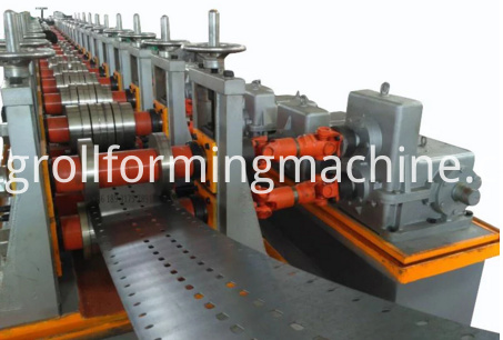 Storage Rack Machine