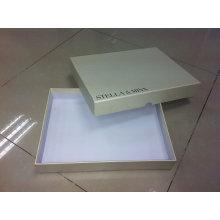 Изготовленная на заказ Бумажная рифленая Коробка одежды Упаковывая