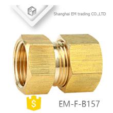 EM-F-B157 Tetina de rosca de ajuste de tubería de latón