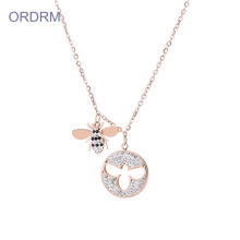 Stainless Steel Berlian Rose Gold Honey Bee Necklace