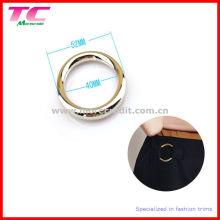 Boucle d'anneau métallique pour robe