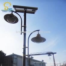 Luz solar del pilar del poste de la puerta solar de la carretera principal