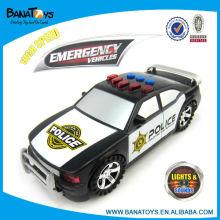 A polícia brinca o carro elétrico dos brinquedos
