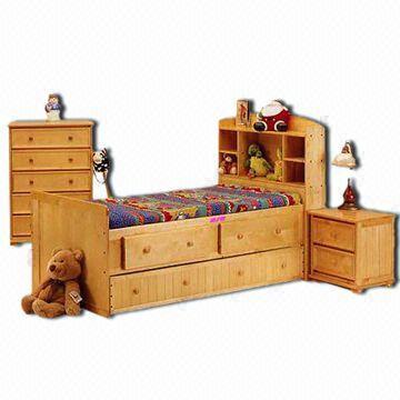 Reproduktion antika möbler för barn och barn, ingår säng, sidobord ...