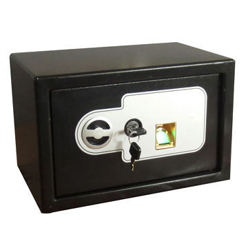 Fingerprint Safe, Uses High Quality Steel with Anti-rust Powder Coating, Portable Design for Lock