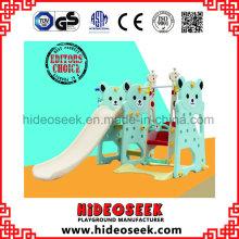 Toboggan en plastique et balançoire pour la cour des enfants