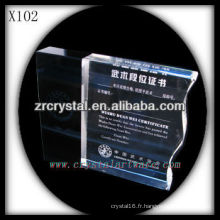 design attrayant blanc trophée en cristal X102
