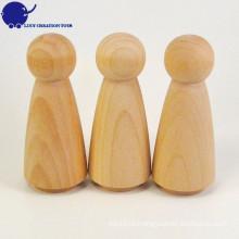 Boneca de madeira feita sob encomenda do Peg de DIY