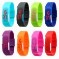 Le sport de mode LED observe des montres de Digital d'écran tactile en caoutchouc de silicone de couleur de sucrerie, bracelet imperméable