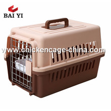Coloré PP Matériau de style américain cage de transport cage pour animaux de compagnie