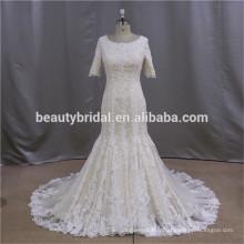 Robe de mariée à la robe de bal robe à manches longues avec manteau en dentelle