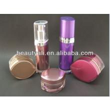 Jarra de crema para el rostro con forma de ojo aplicada en envases cosméticos