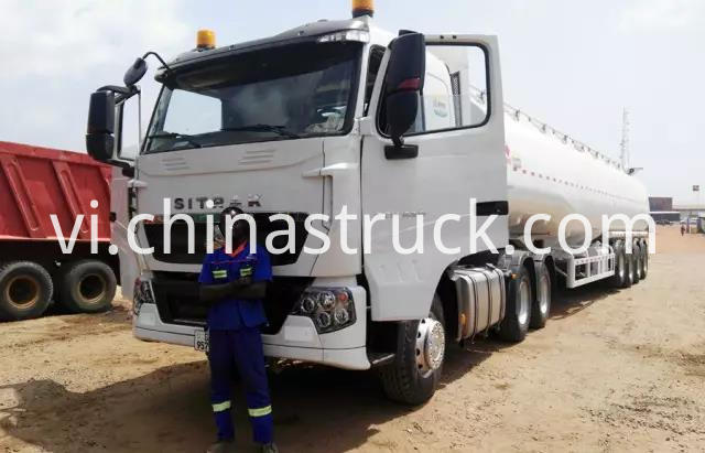 SITRAK premier mover with 3 axle 50000 liters oil tank semi-trailer