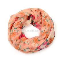 Forme la bufanda 100 del infinito de la muchacha de la manera
