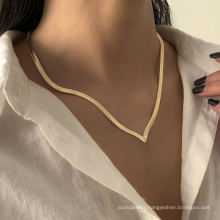 Simple V-shaped snake bone chain necklace wild geometric flat snake chain necklace