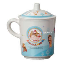 100%Melamine Dinnkid′s Pinocchio Mug W/ Cover (pH618S)