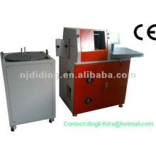 Machine de cintrage et de pliage de lettres à canaux automatiques
