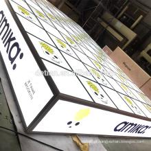 Detian Display oferece plataforma de piso de vidro personalizado para iluminação